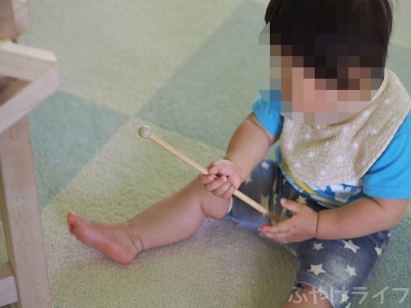 おもちゃ王国で遊ぶ0歳